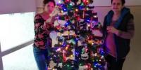 Pri vianočnom stromčeku