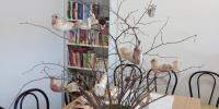 V našom zariadení je malá knižnica, v ktorej prevládajú rôzne žánre